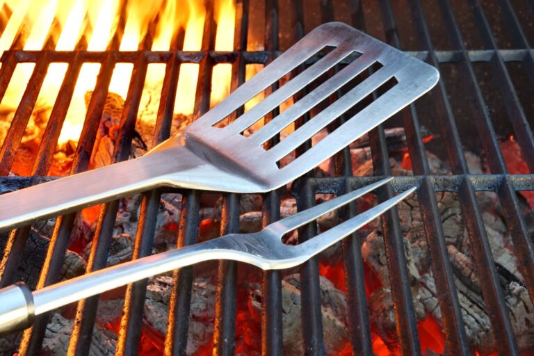 The 7 Best Grill Spatulas (2020 Review)